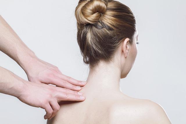 二の腕の脂肪を胸に動かすマッサージ方法は?のアイキャッチ画像
