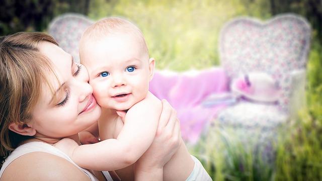 産後太り予防のイチオシは赤ちゃん抱っこ!のアイキャッチ画像