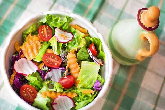 産後太り予防には食事内容の見直しも大切!のアイキャッチ画像