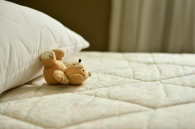 「産後の骨盤体操のやり方は?寝ながらできるものも!」のアイキャッチ画像