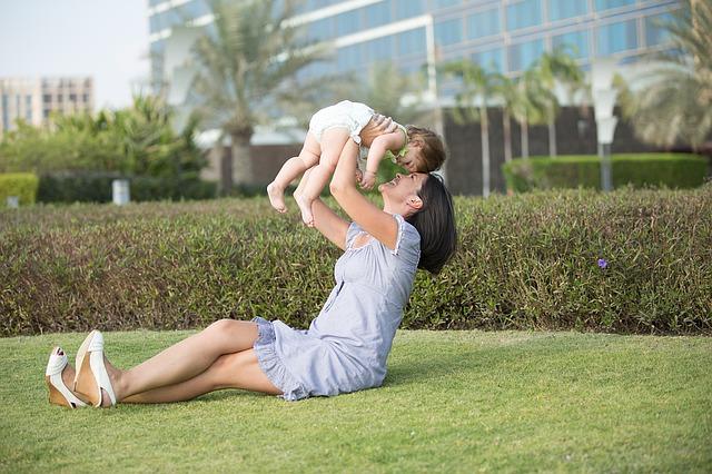 「産後の肥立ちが悪い人はどんなことに気を付ける?」のアイキャッチ画像