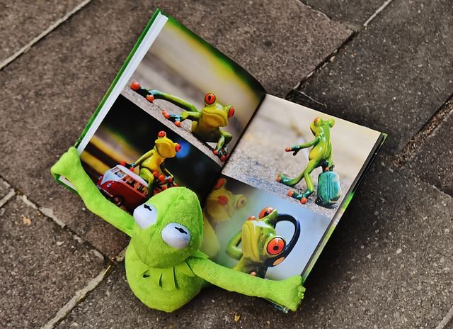 飛行機のぐずり対策におすすめなおもちゃ②シールブック
